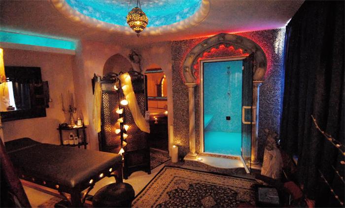 1 Oriental χαλαρωτικό massage με αιθέρια έλαια μαζί με 1 hamam, 1 Περιποίηση προσώπου με φυσικά καλλυντικά πλούσια σε αιθέρια έλαια & 1 massage κεφαλής στο Health and Spa, στη Νέα Φιλαδέλφεια (από 22€).