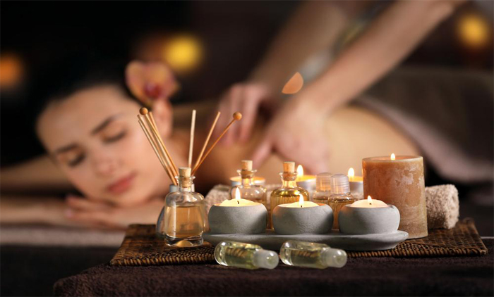 22€ από 90€ για 1 oriental χαλαρωτικό massage με αιθέρια έλαια, διάρκειας 45 λεπτά μαζί με 1 Turkish bath (hamam) διάρκειας 30 λεπτά - Η- 25€ από 120€ για 1 oriental χαλαρωτικό massage μαζί με 1 περιποίηση προσώπου με Φυσικά καλλυντικά πλούσια σε αιθέρια έλαια διάρκειας 45 λεπτά, 1 massage Κεφαλής και 1 Turkish bath (hamam) διάρκειας 30 λεπτά που θα σας ταξιδέψει στα άκρως χαλαρωτικά μονοπάτια της Ανατολής, από το μοναδικό και φιλόξενο χώρο του Health and Spa, στη Νέα Φιλαδέλφεια. Έκπτωση 76%. εικόνα