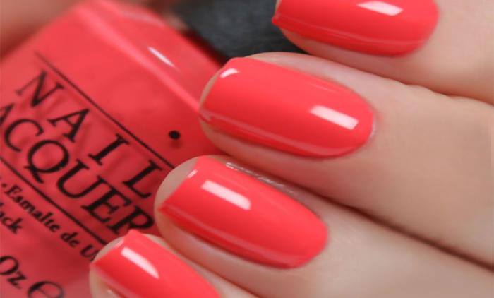 1 ολοκληρωμένο manicure με ημιμόνιμη βαφή (χρώμα ή γαλλικό) διάρκειας έως 3 εβδομάδες & 1 pedicure (χρώμα η γαλλικό) από το Stars Nails (Πλησίον στάσης Μετρό Σεπολίων) (16€).