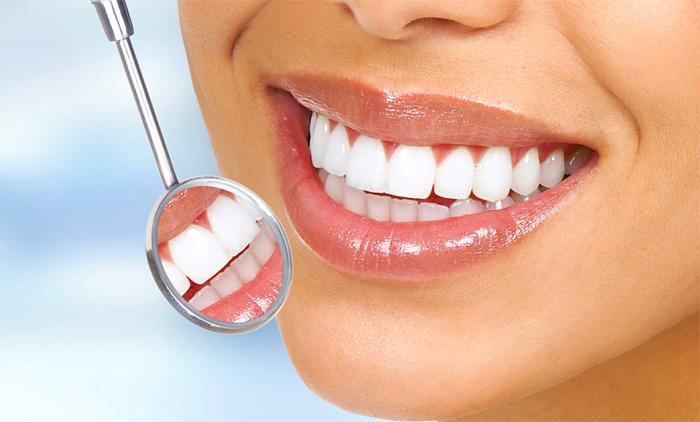 Λεύκανση δοντιών με επιλογή από εφαρμογή λάμπας ψυχρού φωτός LED ή χρήση εξατομικευμένου νάρθηκα (μασελάκια) & καθαρισμός δοντιών από Χειρούργο Οδοντίατρο στη Νέα Ιωνία (πλησίον ΗΣΑΠ) (από 40€)