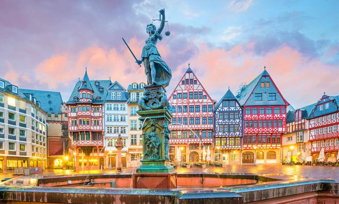Φρανκφούρτη: Αεροπορικά εισιτήρια (συμπεριλαμβάνονται φόροι) και διαμονή για 4 ημέρες / 3 νύχτες σε κεντρικό ξενοδοχείο 3* με πρωινό σε μπουφέ. (145€/άτομο)