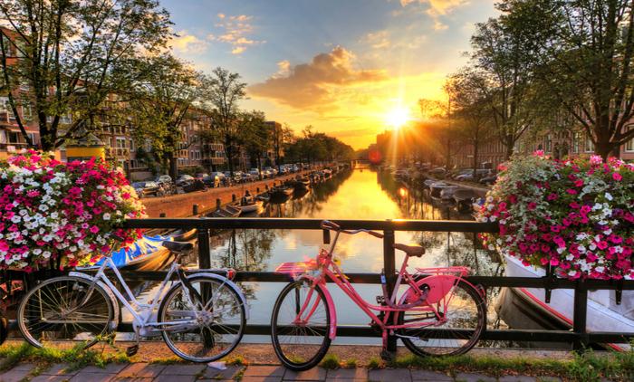 Άμστερνταμ: Αεροπορικά εισιτήρια (συμπεριλαμβάνονται φόροι) και διαμονή για 5 ημέρες / 4 νύχτες σε κεντρικό ξενοδοχείο 3* με πρωινό σε μπουφέ. (285€/άτομο)