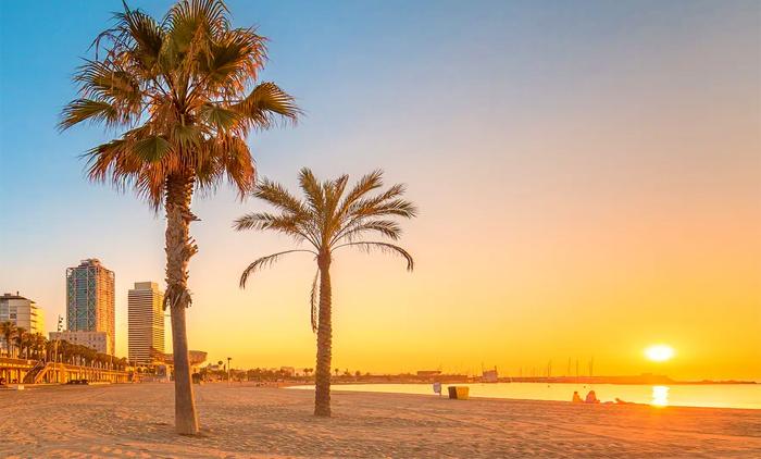 Βαρκελώνη: Αεροπορικά εισιτήρια (συμπεριλαμβάνονται φόροι) και διαμονή για 5 ημέρες / 4 νύχτες σε κεντρικό ξενοδοχείο 3* με πρωινό σε μπουφέ. (220€/άτομο)