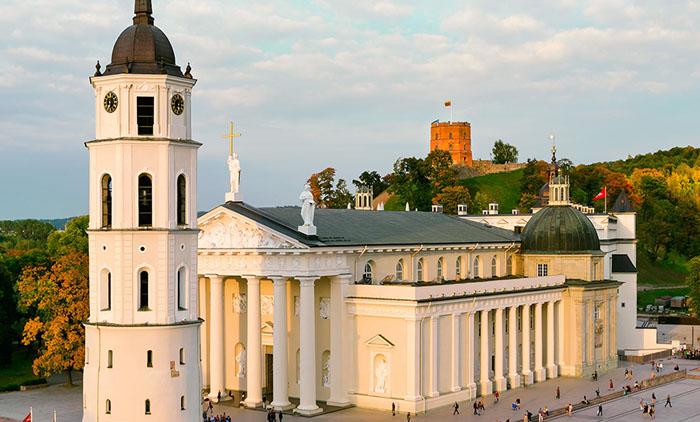 Βίλνιους: Αεροπορικά εισιτήρια (συμπεριλαμβάνονται φόροι) και διαμονή για 4 ημέρες / 3 νύχτες σε κεντρικό ξενοδοχείο 3*  με πρωινό σε μπουφέ. (215€/άτομο)
