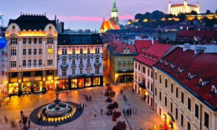 Μπρατισλάβα : Καθαρά Δευτέρα & 25η Μαρτίου, αεροπορικά εισιτήρια (συμπεριλαμβάνονται φόροι) και διαμονή για 4 ημέρες / 3 νύχτες σε κεντρικό ξενοδοχείο 3* με πρωινό