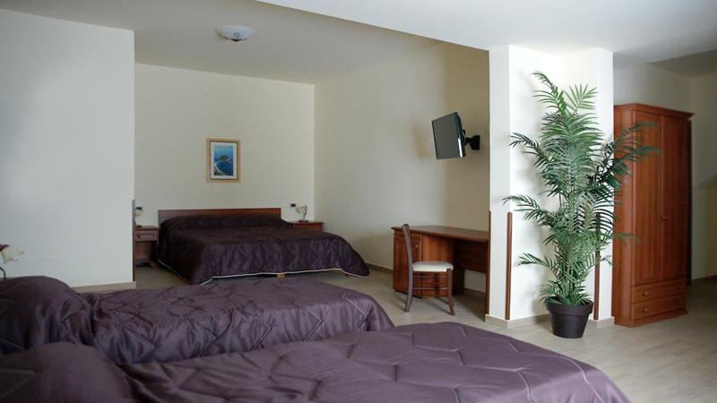 Κατάνια: Aεροπορικά εισιτήρια (συμπεριλαμβάνονται φόροι) και διαμονή για 4 ημέρες / 3 νύχτες σε κεντρικό ξενοδοχείο 3* με πρωινό σε μπουφέ.(150€/άτομο)