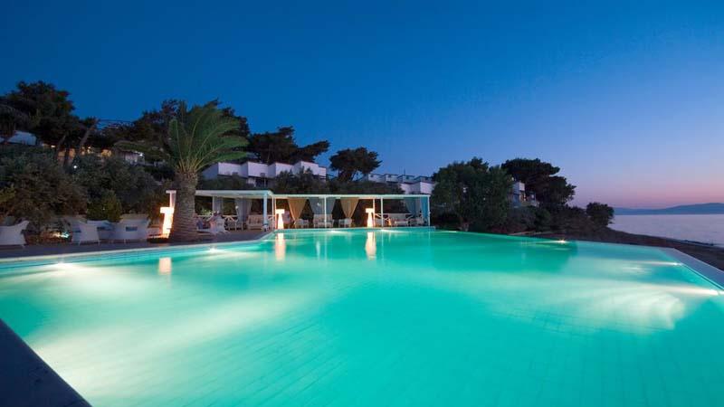 Πάσχα, διαμονή με ημιδιατροφή, 4 ημέρες / 3 νύχτες για δυο άτομα & 2 παιδιά στο Venus beach 3* στα Νέα Στύρα της Εύβοιας, Αναστάσιμο δείπνο & Πασχαλινό γεύμα (289€).
