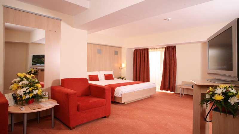 Βουκουρέστι: Αεροπορικά εισιτήρια (συμπεριλαμβάνονται φόροι) και διαμονή για 4 ημέρες / 3 νύχτες σε κεντρικό ξενοδοχείο 4* με πρωινό σε μπουφέ. (130€/άτομο)