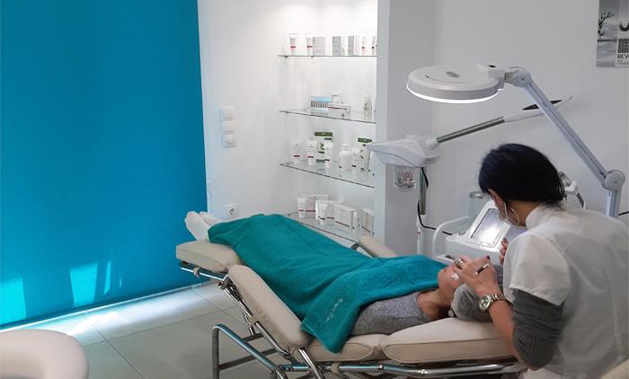10 συνεδρίες αδυνατίσματος & σμίλευσης σώματος με λεμφικό χειρομασάζ, Vacuum, Cavitation & RF από το Beauty Time στον Πειραιά (35€).