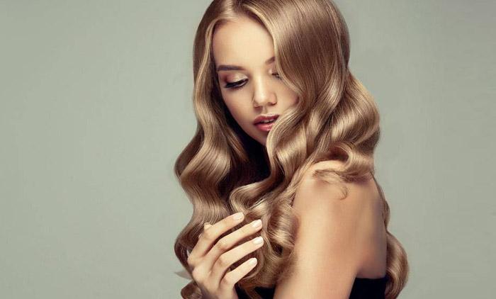 Πακέτα περιποίησης μαλλιών με επιλογή βαφή ή βαφή ρίζα ή ανταύγειες με κούρεμα, χτένισμα (ίσιωμα ή φλου) & ενυδάτωση μαλλιών για όλα τα μήκη από το κομμωτήριο Ioanna's Coiffure στο Ψυχικό (από 11€).