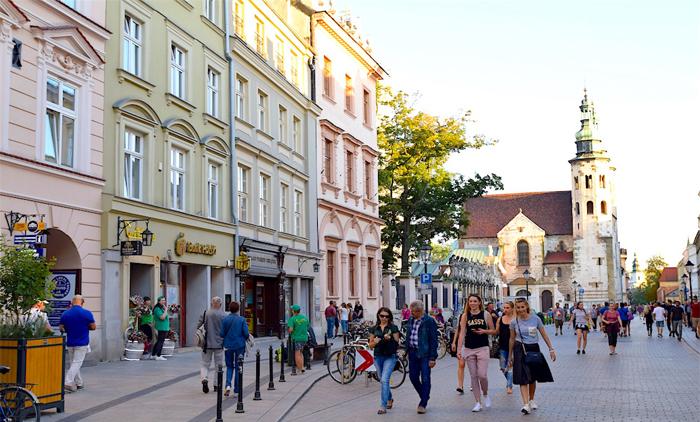 Κρακοβία: Πάσχα, Αεροπορικά εισιτήρια (συμπεριλαμβάνονται φόροι) και διαμονή για 4 ημέρες / 3 νύχτες σε κεντρικό ξενοδοχείο 3* με πρωινό σε μπουφέ. (180€/άτομο)