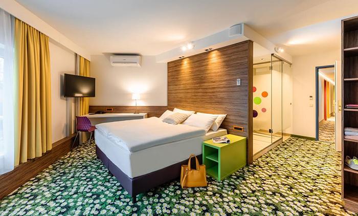 Βιέννη: Αεροπορικά εισιτήρια (συμπεριλαμβάνονται φόροι) και διαμονή για 4 ημέρες / 3 νύχτες σε κεντρικό ξενοδοχείο 3* με πρωινό σε μπουφέ.(130€/άτομο)