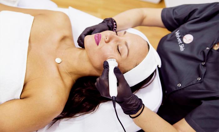 4 συνεδρίες σώματος με ιατρικό cavitation & 4 συνεδρίες λεμφικής αποσυμφόρησης στο Δερματολογικό ιατρείο Velvet Skin Laser Experts (πλησίον Μετρό Συντάγματος) (39€).