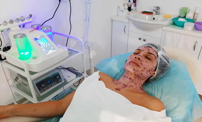 Αδυνάτισμα με 36 συνεδρίες σώματος που περιλαμβάνουν, Medi Slim, Lipolaser & Ραβδοθεραπείες από το Beauty Time στον Πειραιά (38€).
