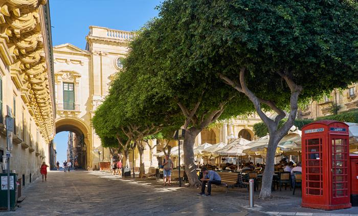 Μάλτα: Αεροπορικά εισιτήρια (συμπεριλαμβάνονται φόροι) και διαμονή για 5 ημέρες / 4 νύχτες σε παραθαλάσσιο ξενοδοχείο 4* με πρωινό σε μπουφέ. (235€/άτομο)