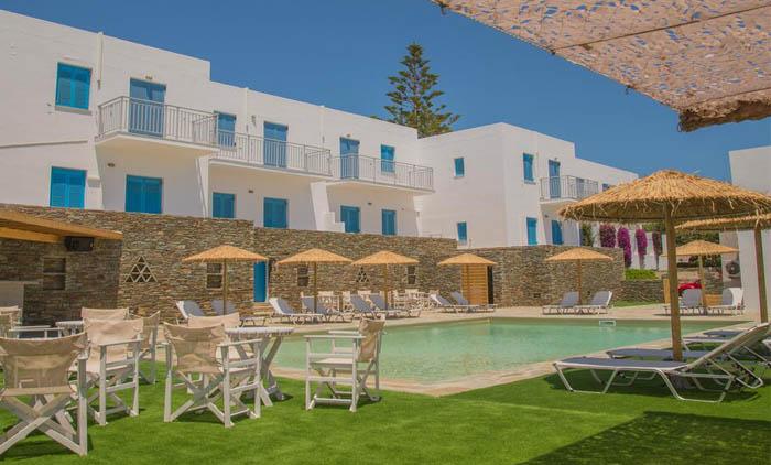 3ήμερο στην Άνδρο: Διαμονή για 4 ημέρες / 3 νύχτες με Πρωινό στο Ξενοδοχείο Ostria Hotel & Apartments μαζί με Ακτοπλοϊκά εισιτήρια με αυτοκίνητο.(215€/άτομο)